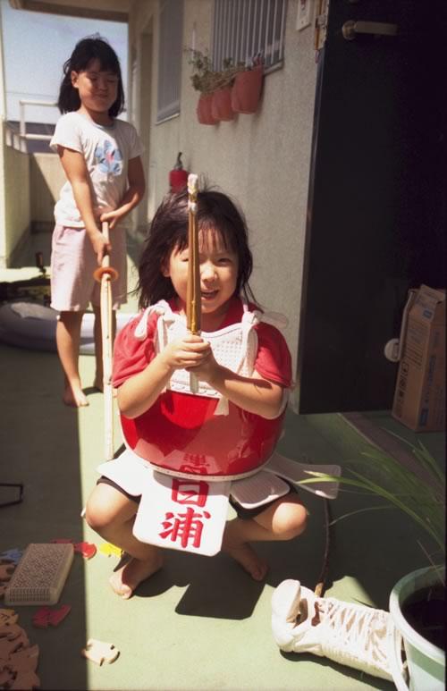 ●姉妹剣士、姉が妹に剣道の形を教えるという遊び-04